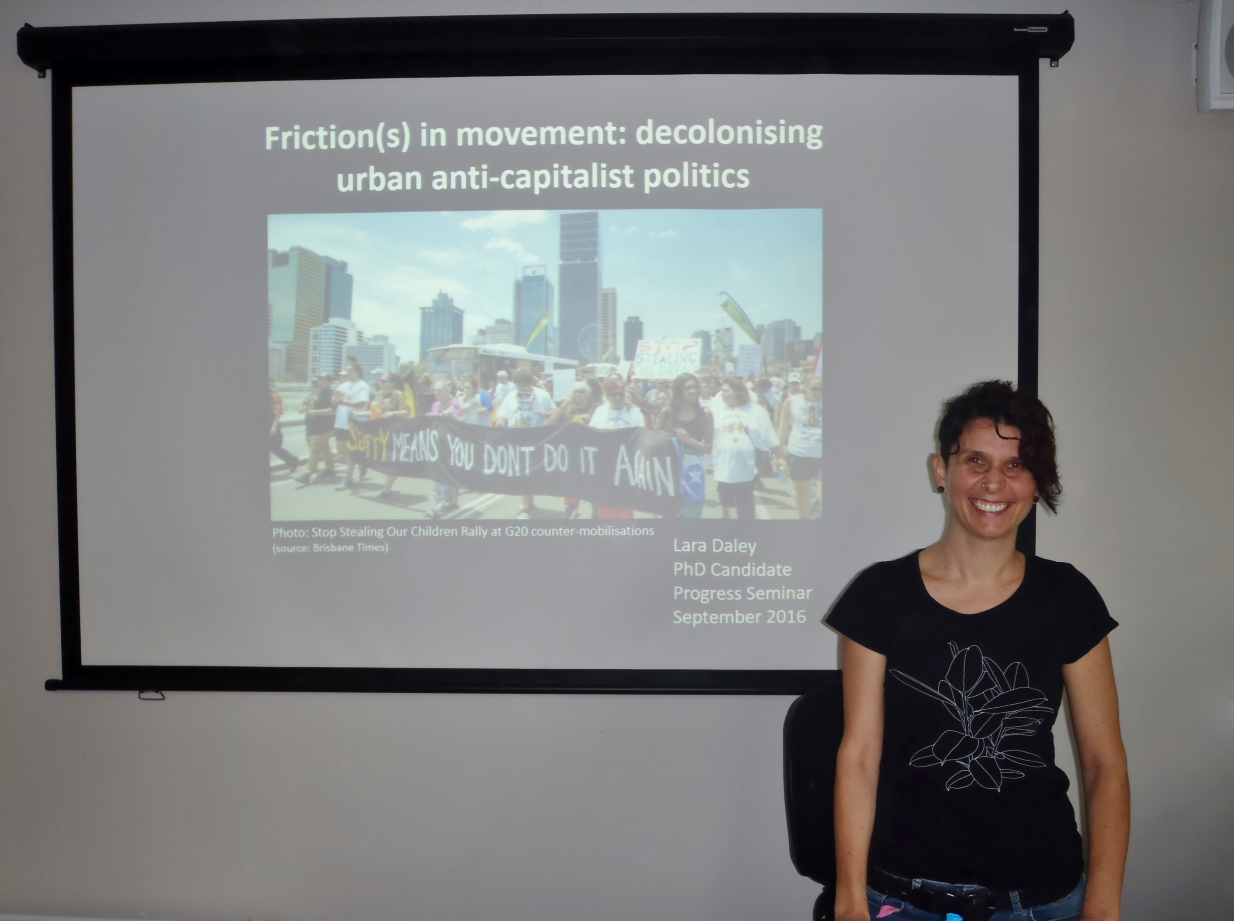 Friction(s) in movement: decolonising urban anti-capitalist politics